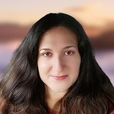 Lora Singh, vassistsservices.com